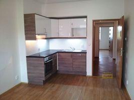 Pronájem bytu Praha 10, byt  1+kk, 29m2, zařízený