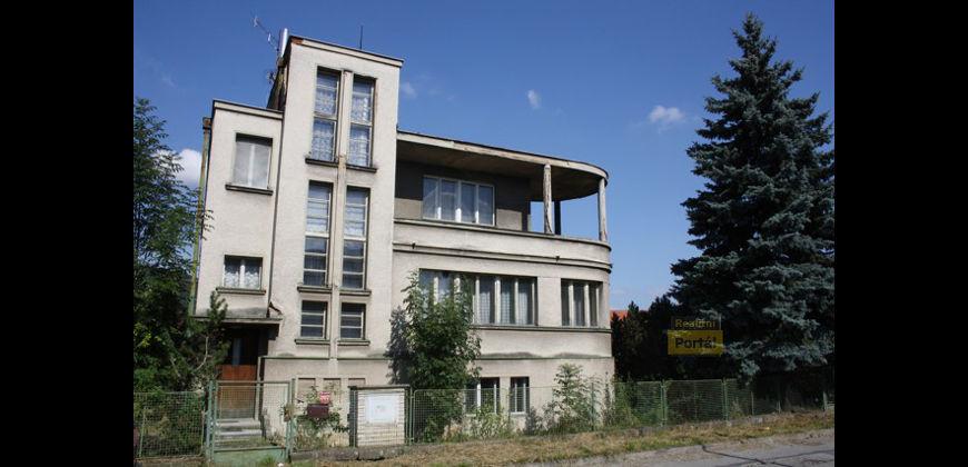 Prodej Funkcionalistické vily, 284m2, Loděnice u Berouna
