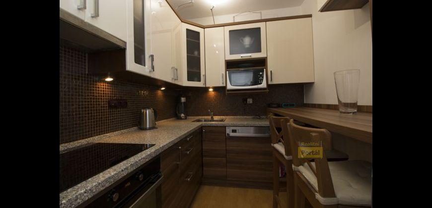 Prodej bytu 2+kk, 49m2, Prahy 5 - Malvazinky, nový, garážové stání,  OV