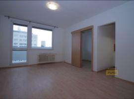 Pronájem bytu  1+kk/L, 33m2, Praha 4 - Nusle, po rekonstrukci