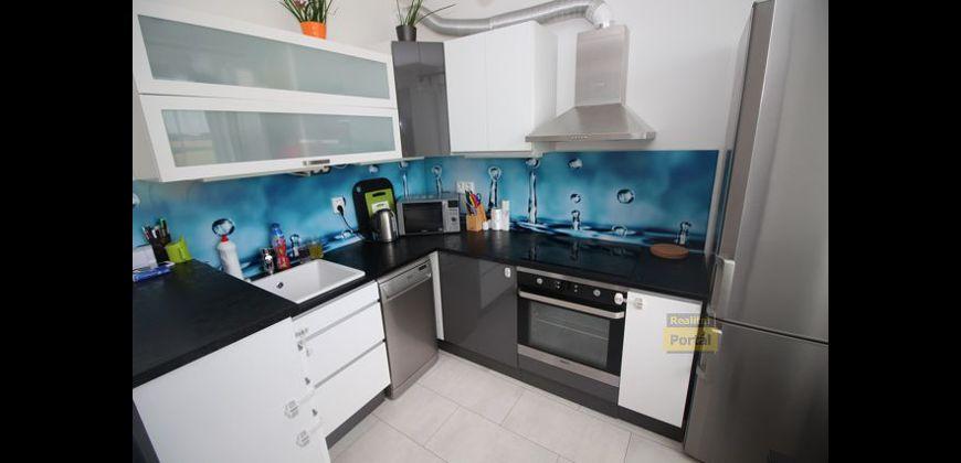 Prodej bytu 2+kk, 45m2,  PV - Klecany, nový, garážové stání, O