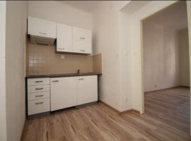Pronájem bytu 2+kk, Praha 10, po rekonstrukci, nezařízený