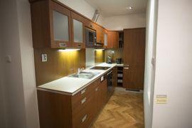 Pronájem bytu 2+kk, 58m2, Praha 2 - Vinohrady,  zařízený, parkovací místo