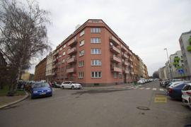 Pronájem bytu 2+1, 54m2, Praha 10 - Vršovice, po rekonstrukci