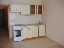 Pronájem bytu v Praze 5, byt 1+kk, 30m2, nový, nezařízený