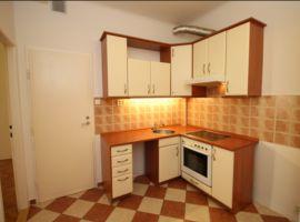 Pronájem bytu 2+kk/B, 46m2, Praha 10 - Vršovice, po rekonstrukci