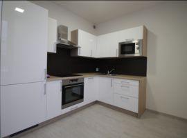 Pronájem bytu 1+kk, 30m2, Praha 8, Karlín, nový, zařízený, garážové stání