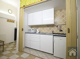 Pronájem bytu v Praze, byt 2+kk, 48m2, Praha 4, po rekonstrukci, částečně zařízený